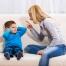 mama pyksta ant vaiko